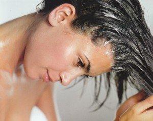 Como lavar e hidratar os cabelos