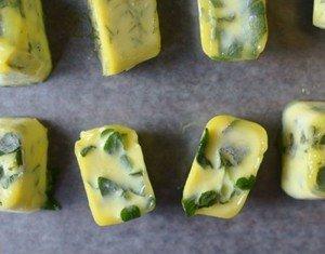 Como congelar ervas frescas no azeite