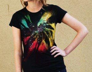 Camiseta com estampa de galáxia