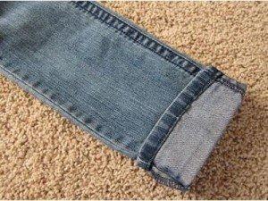 Como fazer a bainha da calça jeans mantendo a costura original