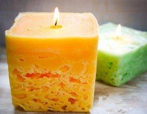 Faça velas de gelo reciclando velas usadas