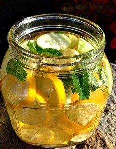 Receita de água detox para perder peso
