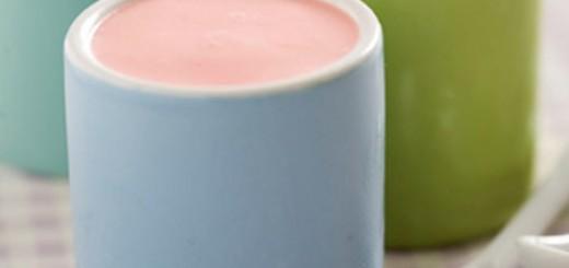 Receita de iogurte caseiro de morango