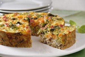 Torta de arroz integral e vegetais