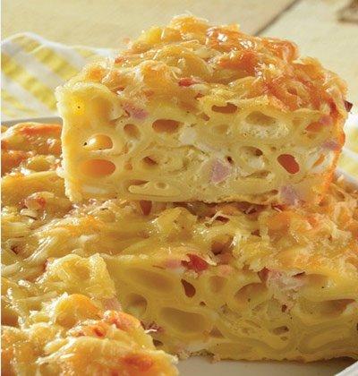 Receita de torta de macarrão com presunto e queijo