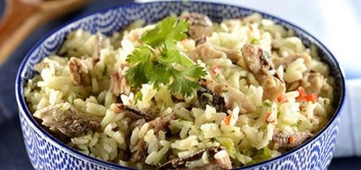 Receita de arroz com coco e sardinha