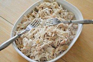 Como cozinhar, desfiar e congelar frango