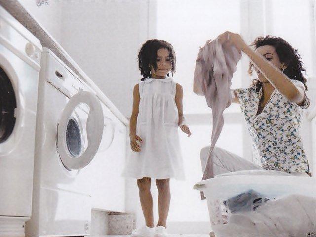 Como lavar roupas com sujeiras difíceis