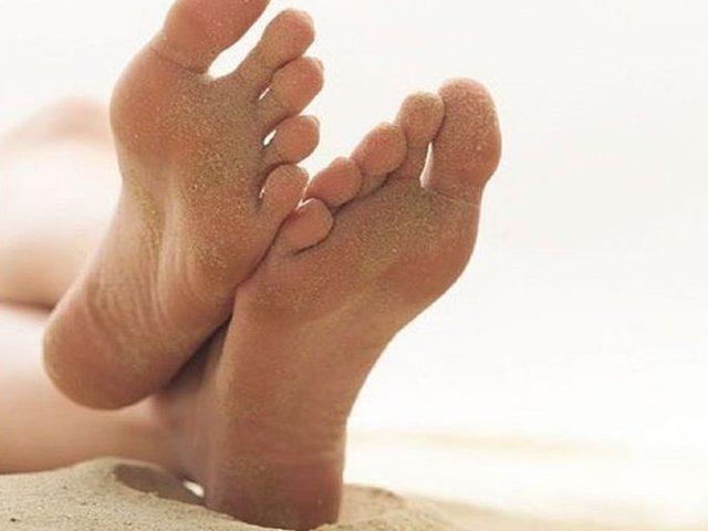 Dicas caseira para tratar pés rachados ou ressecados