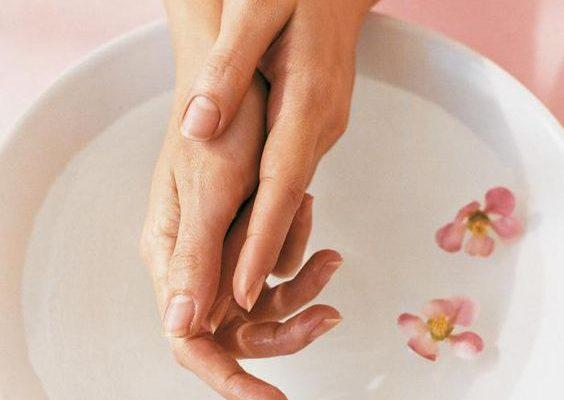 Como proteger suas mãos ao fazer as tarefas domésticas
