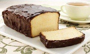 Receita de bolo inglês com cobertura de chocolate