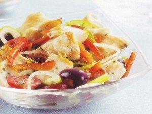 Receita de salada de frango com legumes