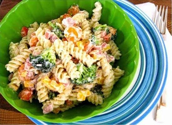 Receita de salada de macarrão parafuso