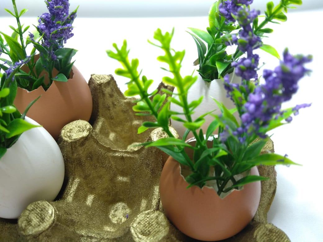 Decoração de Páscoa com casca de ovo